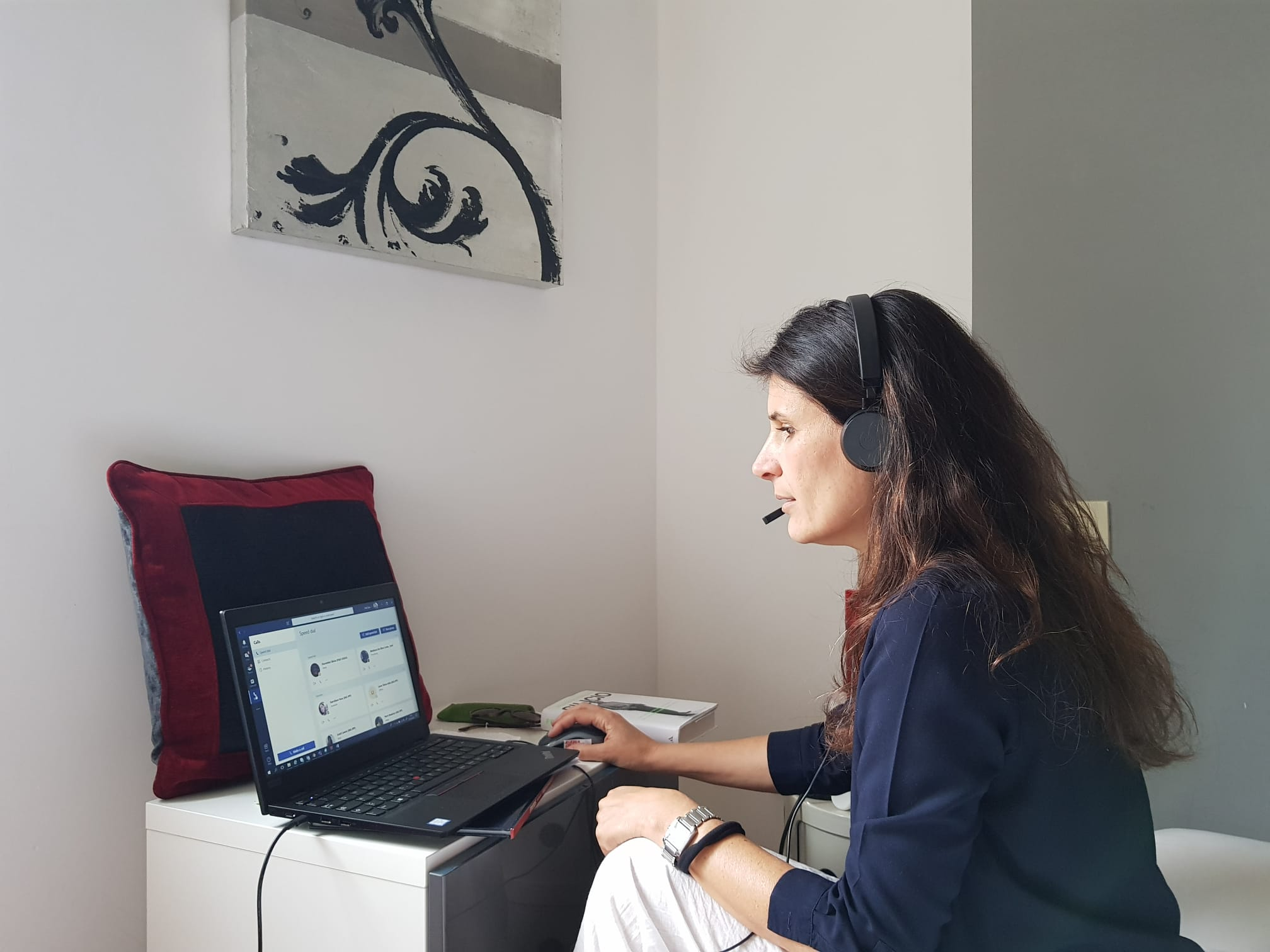 Alessia in home office